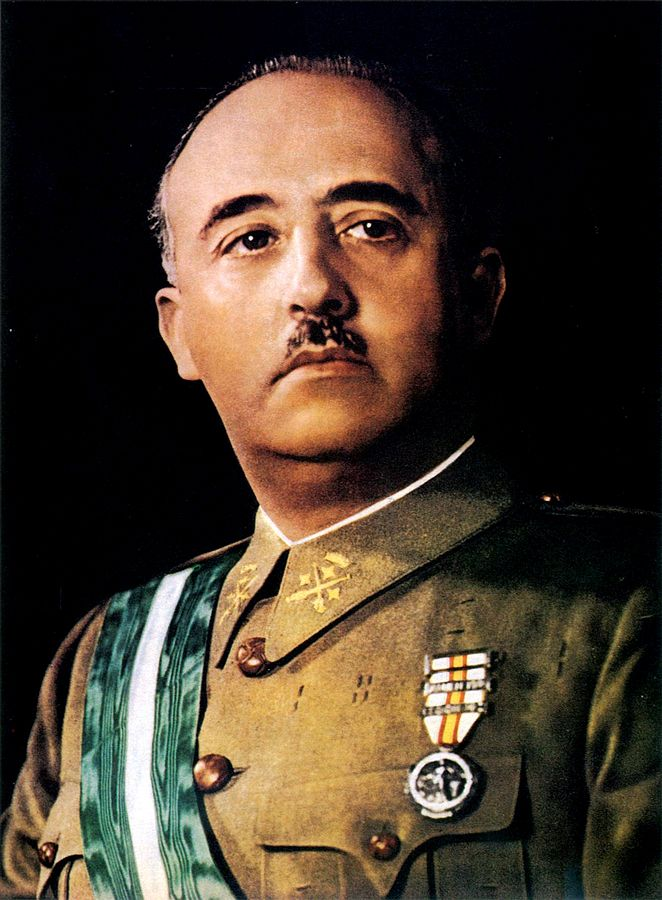 662px-official_francisco_franco